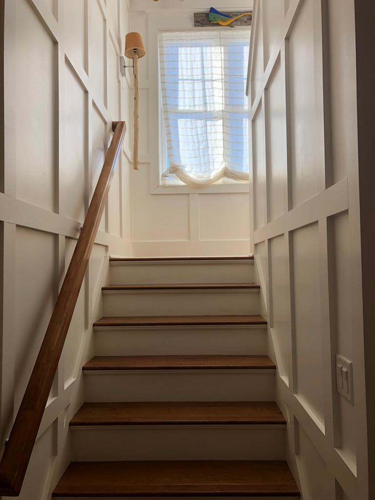 Stairs to 3rd level-coffered walls